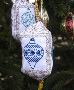tri-sided christmas ornaments