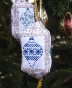 tri-sided christmas ornaments