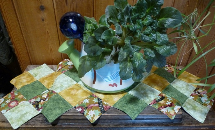 table runner on sewing machine.jpg